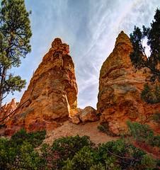 hoodoos (JoelDeluxe) Tags: bryce national monument park hoodoos redrocks views trails queens trail navajo loop ut hdr joeldeluxe