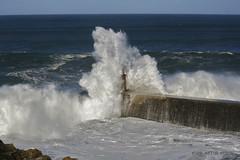 AN2016412RF (asturberon) Tags: viavlez asturias asturies marcantbrico cantabricsea concejodeelfranco elfranco olas marejada puerto puertodeviavlez oleaje mar