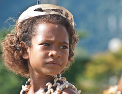 Mailu pikinini (Sven Rudolf Jan) Tags: milnebay papuanewguinea canoeandkundufestival dancing traditional mailu jan hasselberg