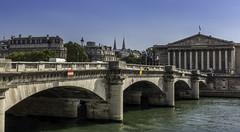 Pont de la Concorde, Paris (Sorin Popovich) Tags: pontdelaconcorde bastille pontdelarvolution assemblenationale palaisbourbon riverseine river seine paris france iledefrance europe architecture