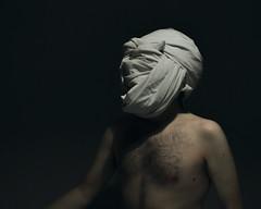 296 // 366 - Untitled (Job Abril) Tags: autorretrato selfportrait cuerpo body nude noface artisticphotography conceptualphotography art chiaroscuro 365 nikon