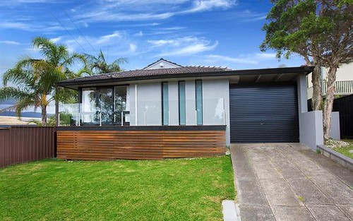24 Burrows Ave, Kanahooka NSW 2530