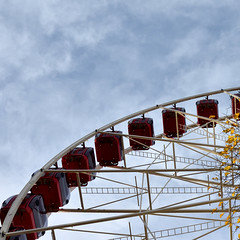 Ferris Wheel (42jph) Tags: nikon d7200 edinburgh scotland uk princes street gardens amusements ride red ferris wheel