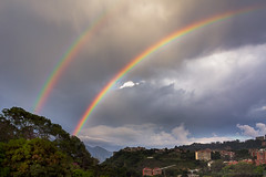 The Great Gift in the Sky (Fran.Marchena) Tags: city sky rain arcoiris clouds canon lluvia rainbow edificios venezuela ciudad caracas cielo nubes doblearcoiris franmarchena