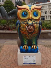 2015_09_0994 (petermit2) Tags: sculpture art birmingham owl westmidlands midlands ticktock birminghamchildrenshospital bighoot birmingham2015 thebighoot illonaclark