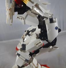 Crouched (donuts_ftw) Tags: lego technic gundam mecha