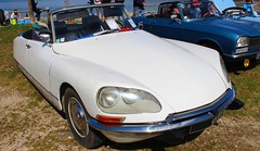 Citroën DS21 Cabriolet (alex73s https://www.facebook.com/CaptureOfAlex?pnr) Tags: auto old white classic car canon french automobile european 21 francaise transport citroen ds lac meeting automotive du voiture retro coche oldcar blanche macchina ancienne cabriolet bourget vehicule ds21 rassemblement europeenne
