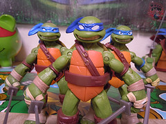 "Nickelodeon ""HISTORY OF TEENAGE MUTANT NINJA TURTLES"" FEATURING LEONARDO -  Nick  LEONARDO vi / ..with Nick Leo '12 & NEW DECORATION Leo '15 (( 2015 )) (tOkKa) Tags: 2005 toys comic 1988 2006 1993 1992 leonardo figures toysrus 2012 2007 teenagemutantninjaturtles tmnt nickelodeon 2014 2015 displaystand playmatestoys ninjaturtlesthenextmutation toysrusexclusive tmntfastforward toontmnt tmntmovie4 turtlemilkstudios eastmanandlairdsteenagemutantninjaturtles moviestartmnt varnerstudios toonleo paramountteenagemutantninjaturtles 4kidstmnt paramountsteenagemutantninjaturtles tmnt2003 historyofteenagemutantninjaturtlesfeaturingleonardo davearshawsky tmnt2014movie"