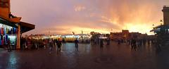 Bei Sonnenuntergang wacht der Markt auf! (d/f) Tags: sunset sonnenuntergang sundown market souk markt souq soukh suk suq marrakesch sunfall sook soq  marakkesh  sq