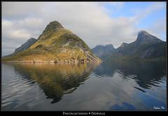Pantaliatinden (HimalAnda) Tags: reflection norway landscape reflet paysage lofoten reine norvège canoneos70d eos70d stéphanebon