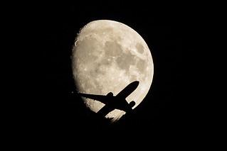 BA Boeing 777 crossing the Moon