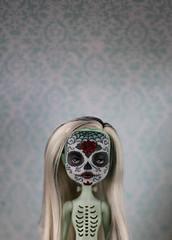 calavera (Kuma-bear) Tags: calavera skull sugarskull diadelosmuertos monsterhigh monsterhighdolls ghoulsalive frankiestein repaint ooak