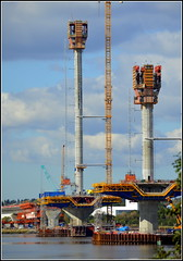 Mersey Gateway Project (Six Lane Cable Stayed Bridge across the River Mersey) 2nd October 2016 (Cassini2008) Tags: merseygatewayproject merseylink rivermersey rubricaengineering rubrica bridgeconstruction construction formtraveller rubricaformtravellers cablestayedroadbridge
