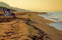 Marinella di Selinunte - Trapani (Massimo Frasson) Tags: italia italy sicilia trapani marinelladiselinunte selinunte pineta costa spiaggia panorama paesaggio landscape mare mattino natura sole sabbia nuvole sdraio