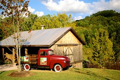 Song & Hearth Orchard (jordanhall81) Tags: truck ford song hearth orchard apple barn hill mountain smoky pigeon forge gaitlinburg tennessee tn dolly parton dollywood fall dreammore resort hotel landscape