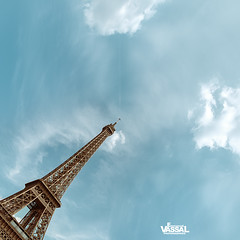 7pm (Emmanuel VASSAL) Tags: eiffel eiffeiltower toureiffel paris seine abstract sky cloud street square minimal
