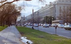in the streets of Washington (BZK2011) Tags: canon t70 analog scan 1996 washington strasen streets usa vereinigtestaaten hauptstadt unitedstates