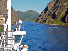 Looking Back in the Trollfjord, Norway (6) (Phil Masters) Tags: 21stjuly july2016 norwayholiday norway raftsund raftsundet thetrollfjord trollfjorden trollfjord shipsandboats msspitsbergen hurtigruten