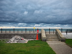 (turgidson) Tags: panasonic lumix dmc g7 panasoniclumixdmcg7 panasonicg7 micro four thirds microfourthirds m43 g lumixg mirrorless 20mm f17 asph panasonic20mmf17asph 20mmf17 20mmf17asph prime lens primelens pancake hh020 silkypix developer studio pro 7 silkypixdeveloperstudiopro7 raw bray wicklow ireland promenade seafront strand road strandroad coast coastal wall beach sea irish irishsea traffic cone p1080272 sky clouds
