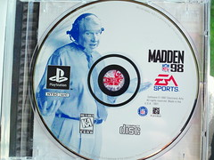 MADDEN NFL 98 Sony PlayStation 1 (1997) PS1 PS2 PS3 NTSC COMPLETE BLACK LABEL (sjim-indy) Tags: black 1 ntsc label sony nfl 98 ps1 1997 ps2 playstation complete madden ps3