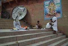 bitte nicht stren (Lenas Linse) Tags: varanasi indien ganges ghats sadu