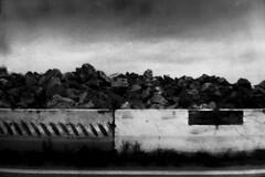 PARCELLE 15-046_64 ([meth]) Tags: monochrome analog noiretblanc pierre olympus route rodinal lignes argentique roche chantier 125 trait 800iso mju2 r09 7min fomapanaction400 fomadonr09 béton μmjuːii