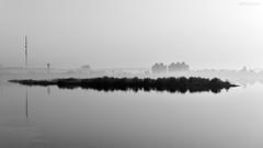 Bruma sobre el Nilo (impodi@gmail.com) Tags: travel bw blancoynegro rio nikon bn egipto luxor bruma nilo