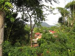 """Luang Prabang: villages sur l'autre rive de la rivière Nam Khan <a style=""""margin-left:10px; font-size:0.8em;"""" href=""""http://www.flickr.com/photos/127723101@N04/23875200981/"""" target=""""_blank"""">@flickr</a>"""