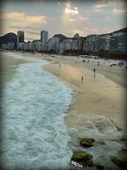 Praia do Leme/RJ (mcrisab) Tags: gua oceano mar paisagem natureza beiramar espuma nuvens onda praia