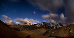 Magia de Cordillera (Robelier Photoexplorer) Tags: mountains andes chile regiondecoquimbo astrophotography nightscape night wind longexposure clouds stars moonlight