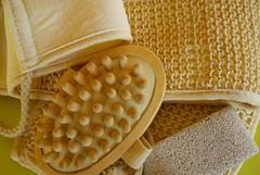 Frizioni di acqua fredda.....Brrr.... (martinadimartino) Tags: beauty bagno blogger corpo fashion guanto di crine menta style vasca