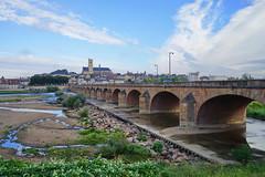 Nevers Loire 16.9.2016 4038 (orangevolvobusdriver4u) Tags: nevers rn7 route national 7 routenational7 routebleue 2016 archiv2016 france frankreich n7 brücke bridge loire river fluss