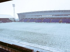 Snow covered Boundary Park 18.11.16 (Diego Sideburns) Tags: oldhamathletic boundarypark snowcovered northstand latics