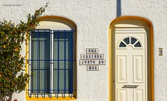 Uma casinha junto ao mar - Albufeira (Algarve, Portugal) (Placido De Cervo) Tags: albufeira algarve faro portugal portogallo casinha cor color canon700d efs24mmstm