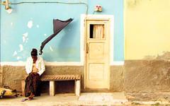 Boa Vista ... (Augusta Onida) Tags: salrei capoverde boavista donna woman casa house azzurro blue people