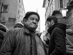 (Gitte Herden) Tags: people peoplephotography blackwhite street streetphotography streetfotografie strasenfotografie strasenszene streetscene strasenportrait streetportrait