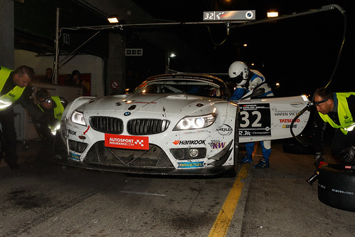 BMW Z4 GT3 Night pit