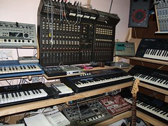 LP158663 (LoxPix2) Tags: boss music studio guitar fender synth roland korg yamaha emu gibson akai novation alesis kawai maudio behringer kurzweil teisco ensoniq tapco rogerlinn loxpix