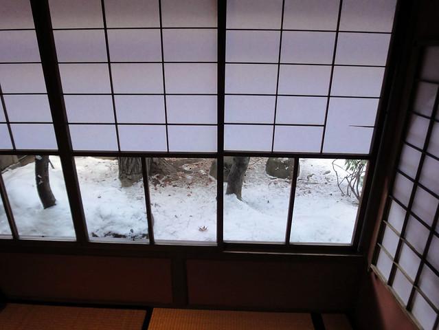 座して庭が見えるようにでしょうか。|吉島家住宅