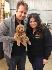 margot-with-her-family-on-puppy-pick-day--margot-is-sandy-and-and-chewys-little-girl_16939043700_o