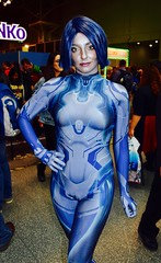 DSC_0565 (Randsom) Tags: nycc 2016 newyorkcomiccon nycomiccon javitscenter october nyc newyorkcity cosplay costume fun comicbooks comicconvention heroine superheroine wig blue catsuit vixen femmefatale sexy girl woman female