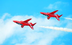 ARROWS INVERTED. (tommypatto : ~ IMAGINE.) Tags: raf redarrows airplanes airshows aircraft southport