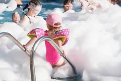fiesta de espuma en costa adeje (GF Hoteles (Tenerife)) Tags: espuma fiesta piscina divertido