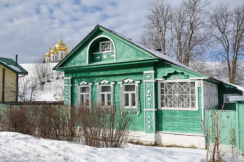 Green Russian Wooden House on Kropotkinskaya Street in Winter - Dmitrov