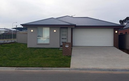 38 & 38A Messenger Avenue, Boorooma NSW 2650