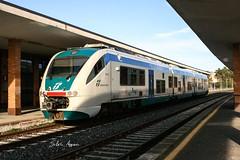 Minuetto a Caltagirone! (silvioazzaro) Tags: minuetto catania caltagirone gela ferrovia trenitalia ferroviedellostato treno regionale xmpr canon eos350d