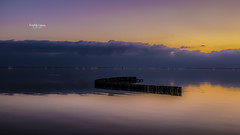 Calme plat et crépuscule (Fred&rique) Tags: lumixfz1000 photoshop cameraraw crépuscule hérault cabanesdusalaison heurebleue étang couleurs ciel eau reflets soleil coucher