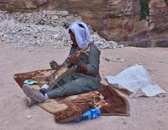 Musiker / Musician (schreibtnix) Tags: reisen travelling naherosten neareast  jordanien  jordan petra menschen people beduine bedouin musiker musician olympuse5 schreibtnix