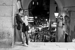 Young love (fernando_gm) Tags: madrid street people blackandwhite bw love blancoynegro 35mm couple fuji pareja amor young fujifilm xt1