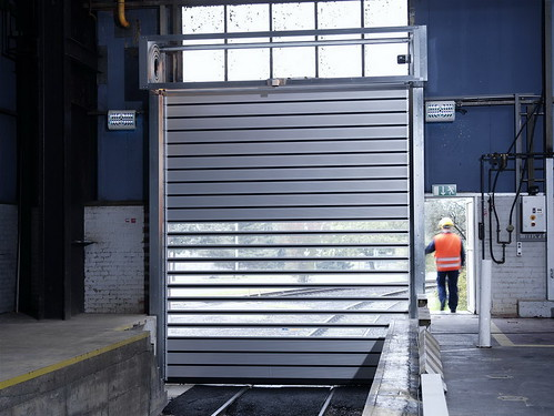 Спиральные скоростные ворота. Спіральні швидкі ворота. Hi speed sectional door.